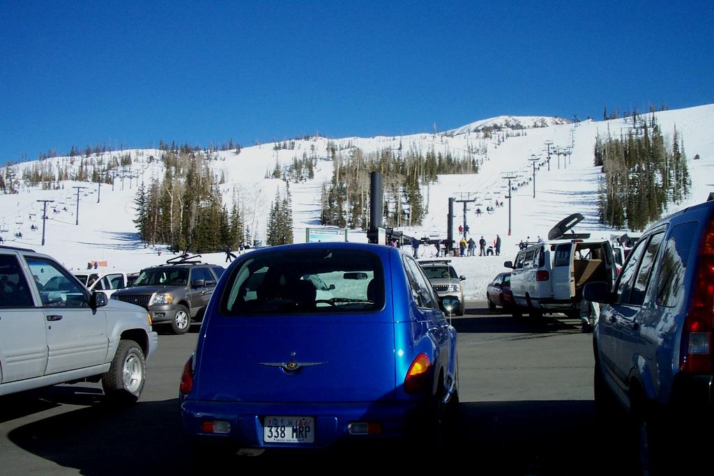 brian-head-parking-lot