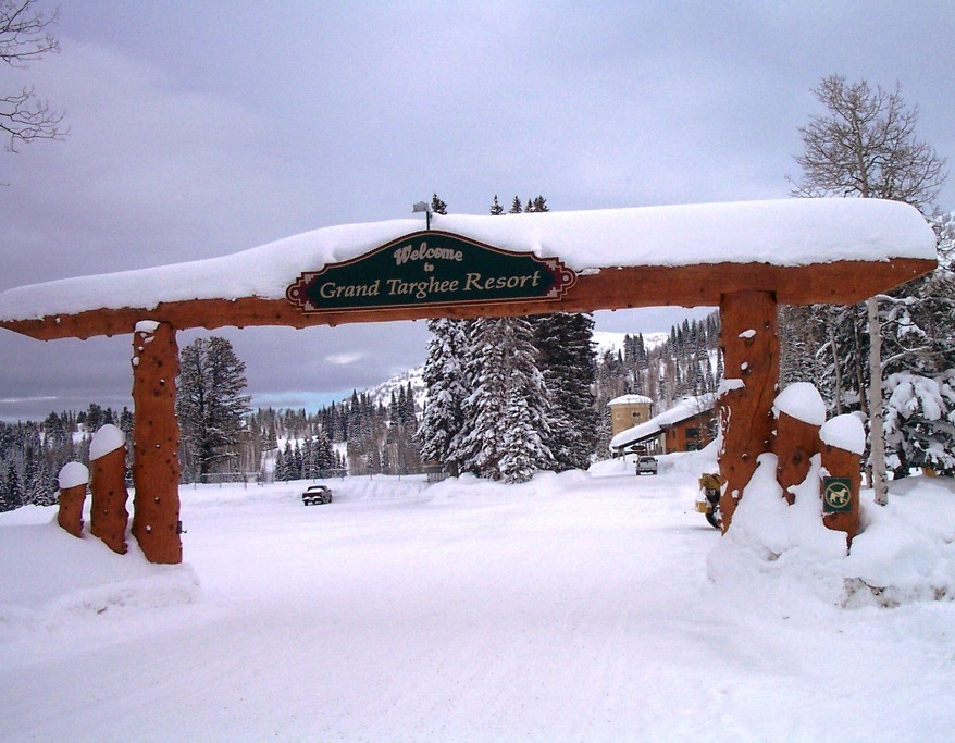grand-targhee-entrance