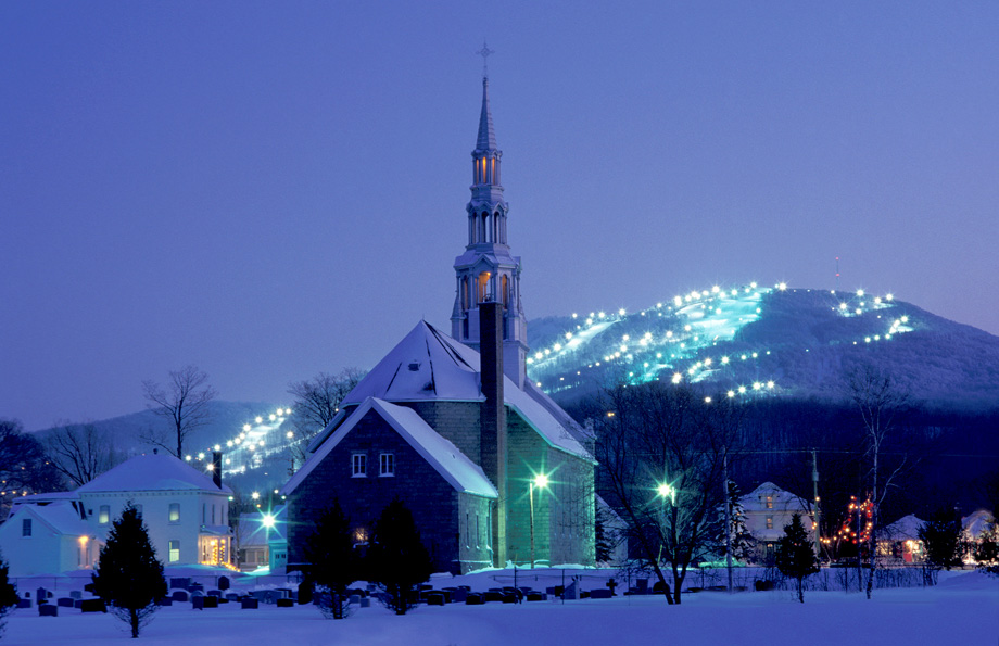bromont-at-night
