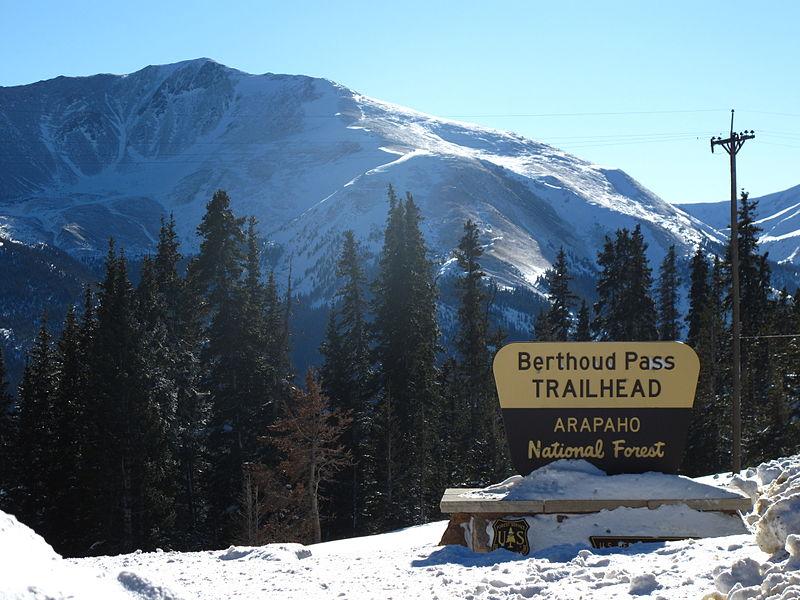berthoud-pass-trailhead-sign