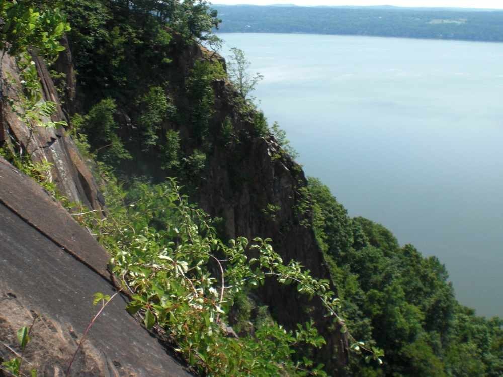Hook Mountain ledge