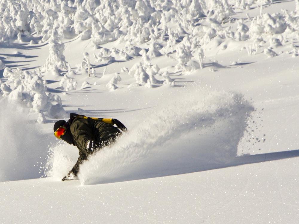Whiteface-Slides-Snowboarder