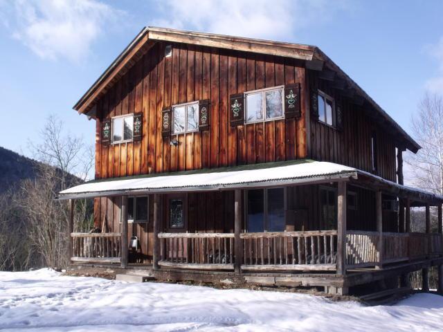 Ivy-Ski-Club-in-Winter