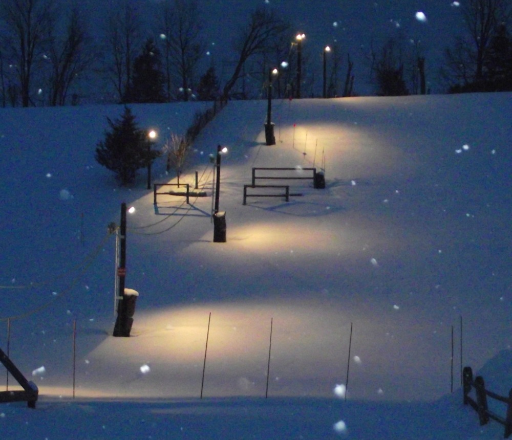 Polar-Peak-Night-Skiing