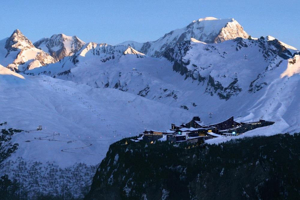 Ski-Resort-Alps