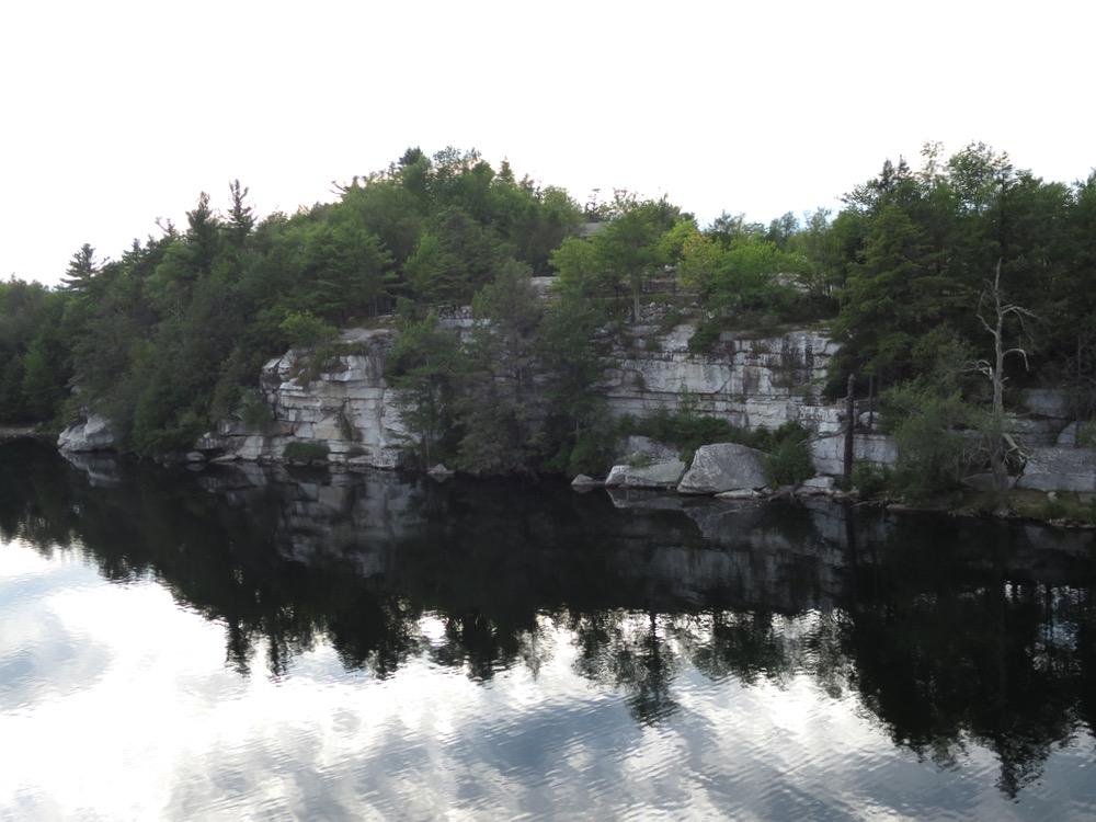 Gertrudes-Nose-cliff