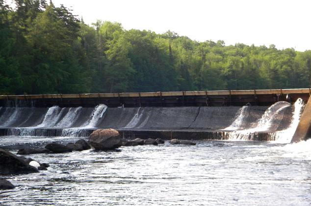 Lake Abanakee dam