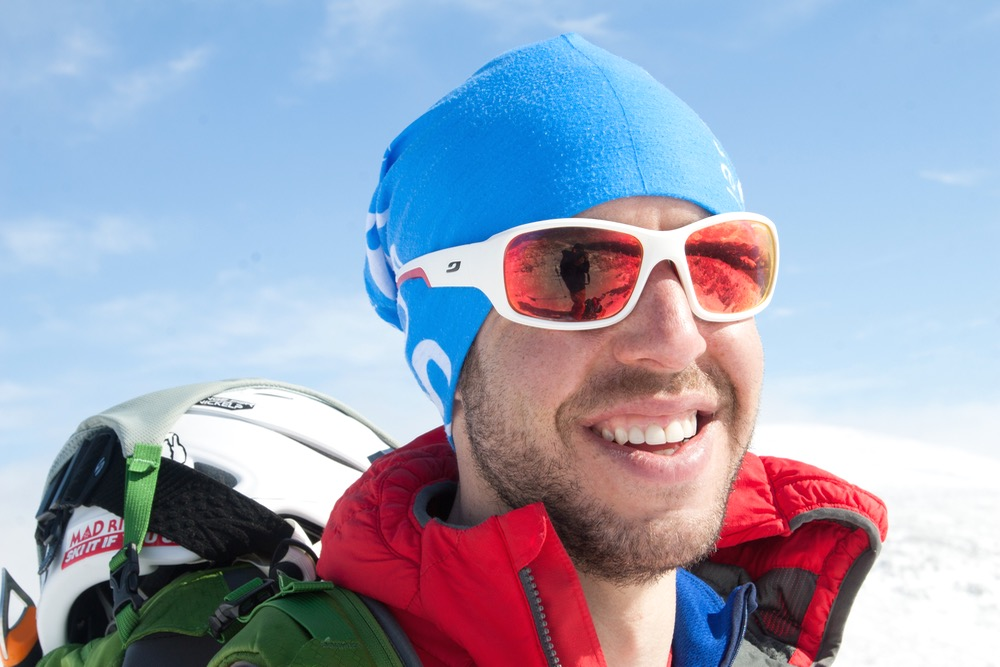 chic-chocs-skier-closeup