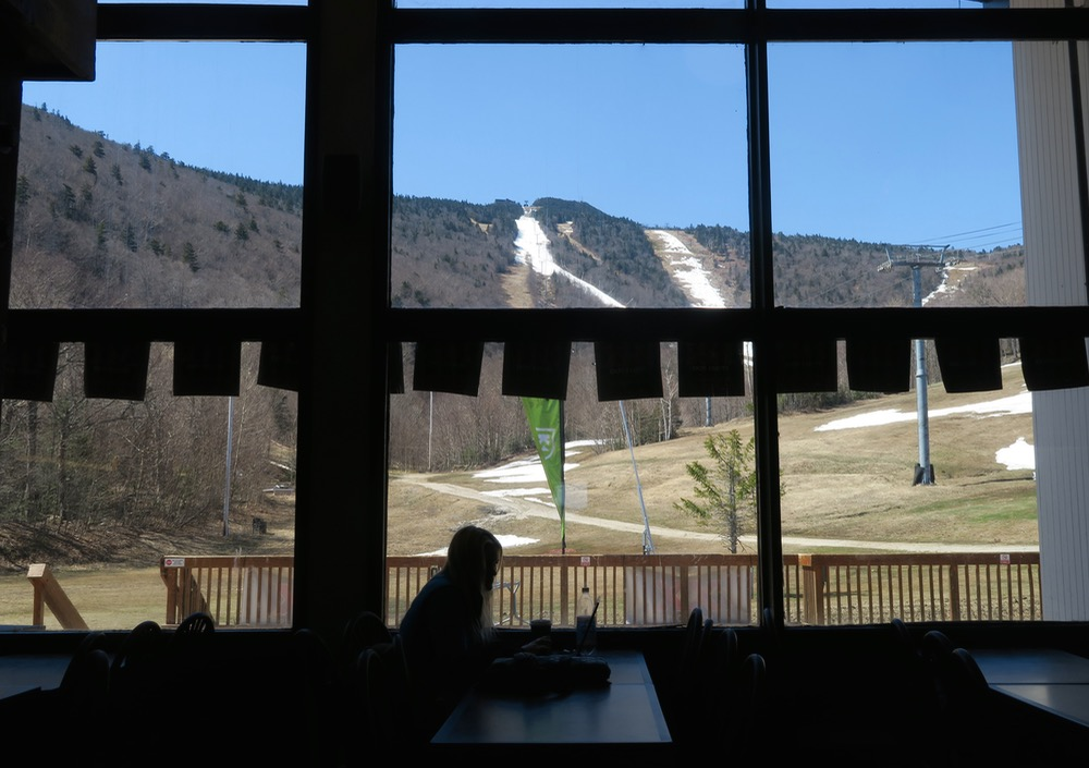 killington-base-lodge-view