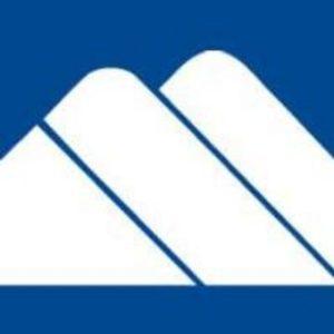 Smugglers Notch logo