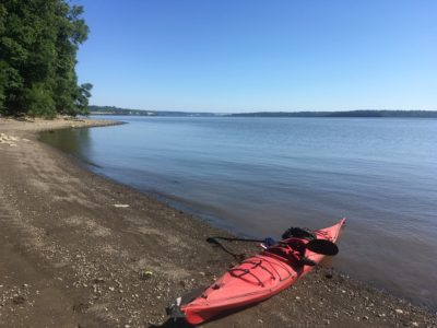 kayak-on-shore