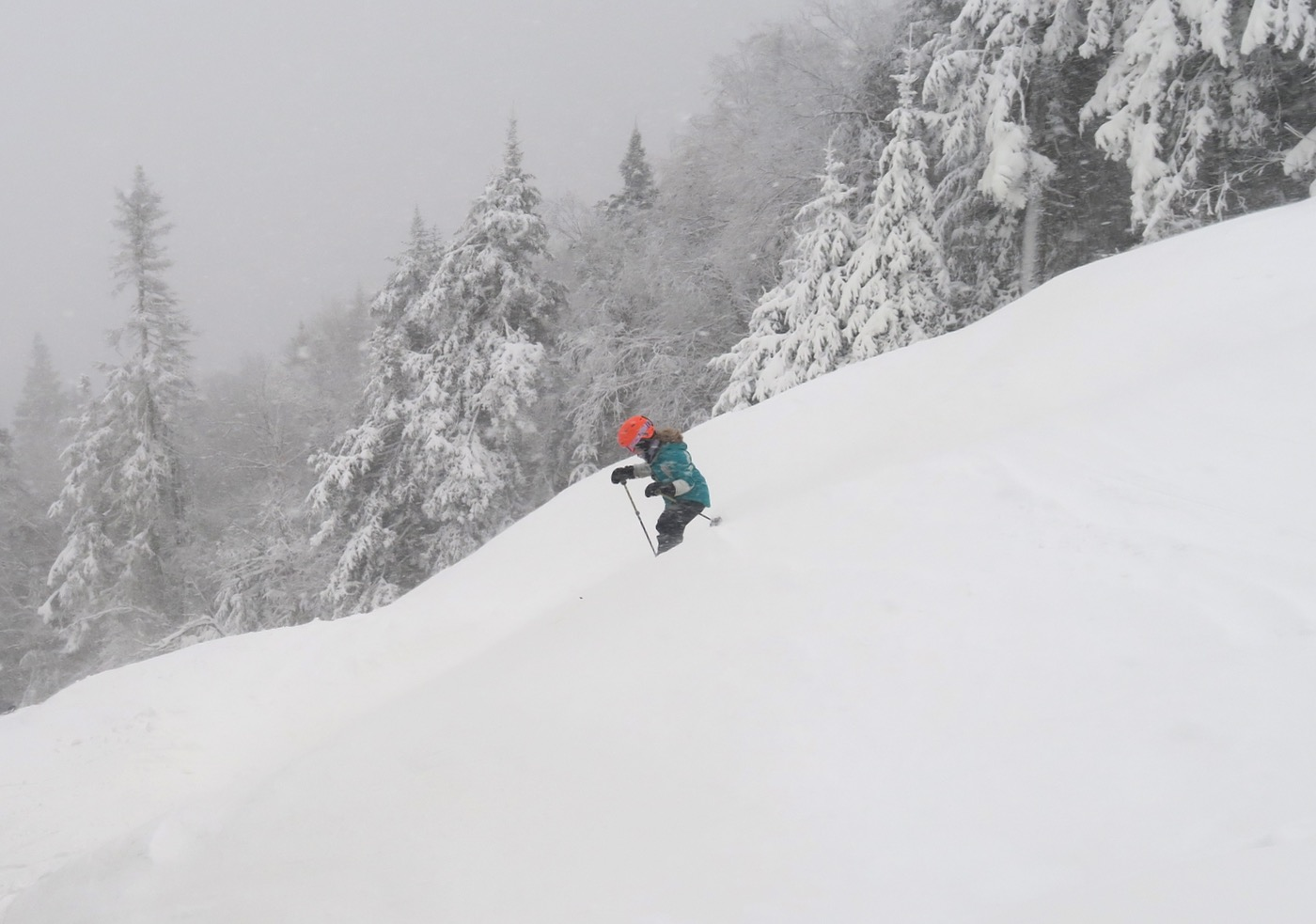 storm-skiing-at-gore