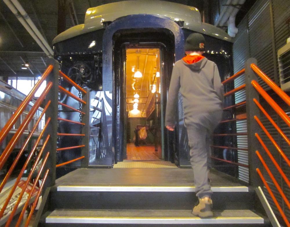 electric city train museum