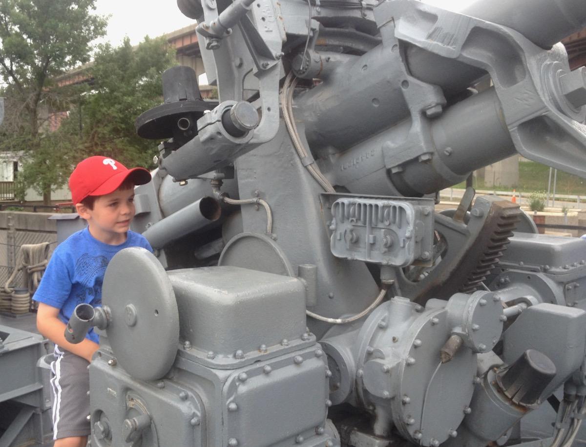USS Slater gun