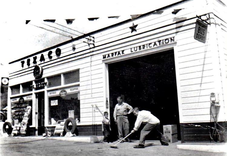 Halfmoon NY gas station